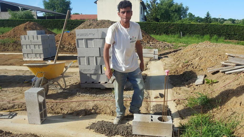 Nos artisans travaillent dur bourgogne b tir for Bourgogne batir