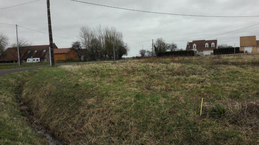 Terrain constructible à Villegaudin à vendre pour votre projet de construction de maison individuelle neuve RT 2012 avec bourgogne bâtir