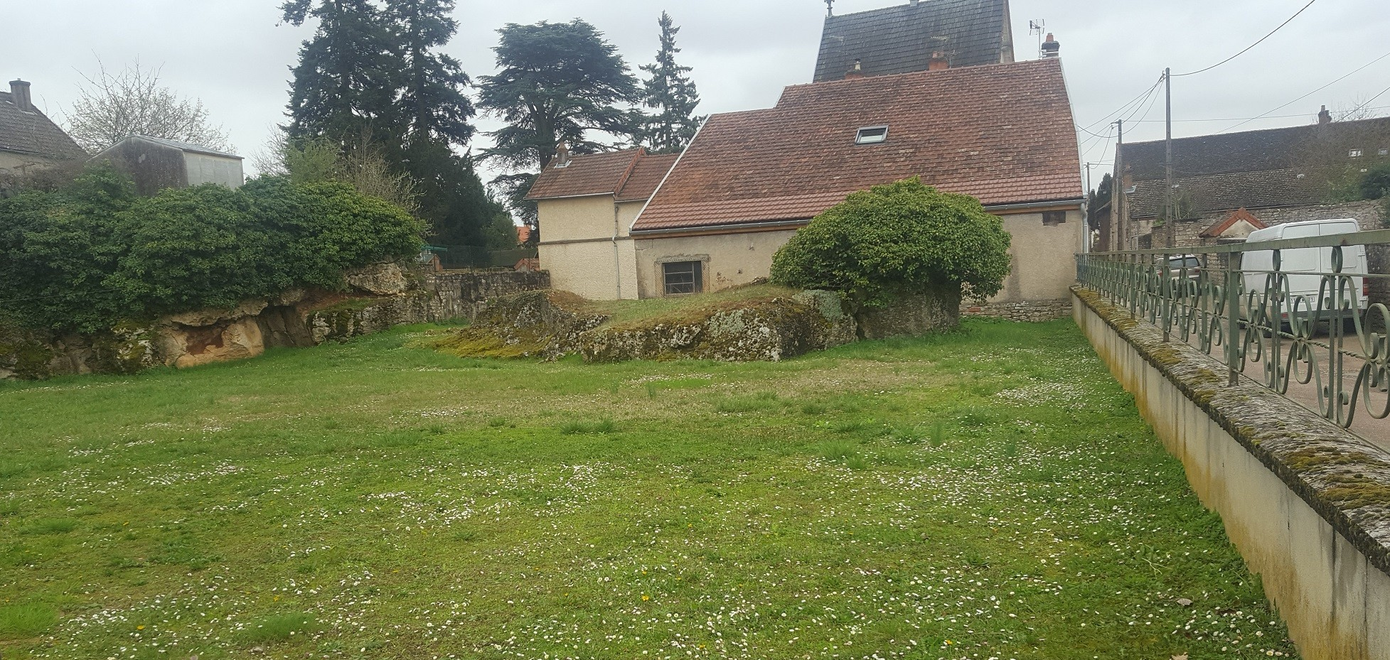 Terrain constructible mellecey germolles bourgogne b tir for Bourgogne batir
