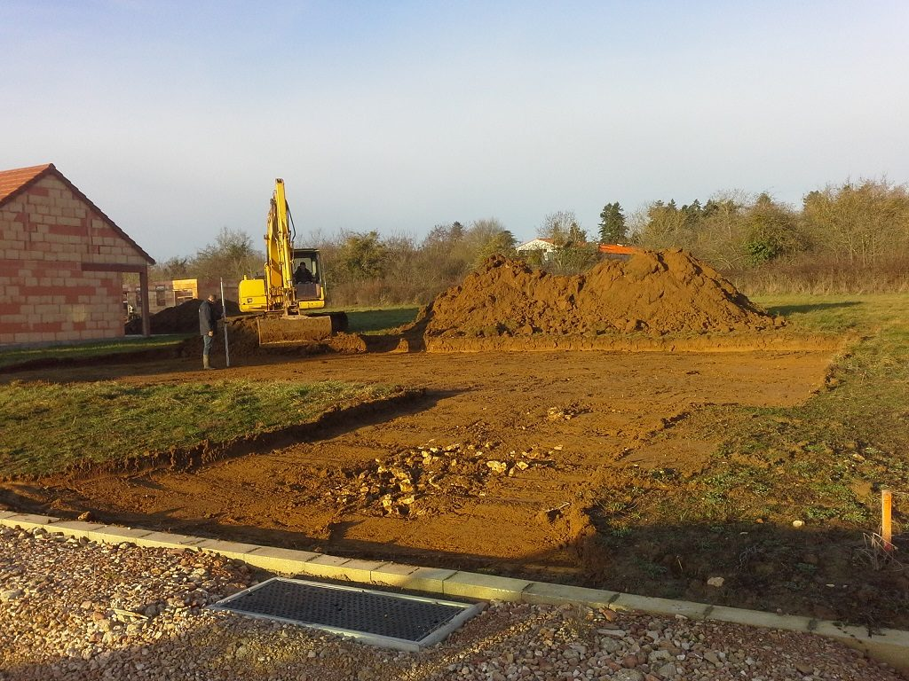 Démarrage chantier bourgogne bâtir constructeur de maison individuelle à Buxy