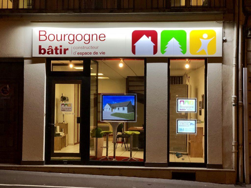Vitrine agence constructeur Bourgogne Bâtir Chalon